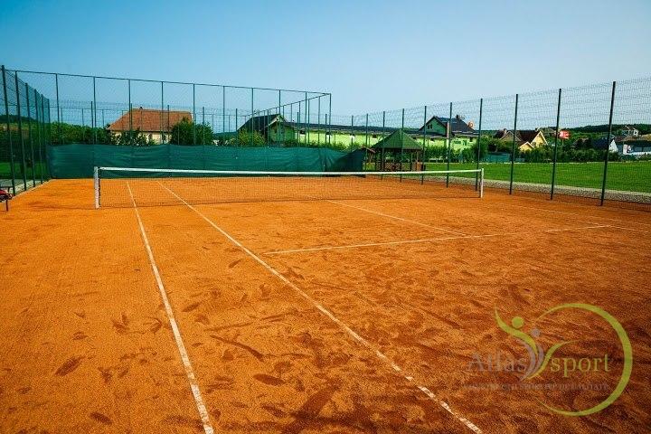 Teren de tenis cu zgura