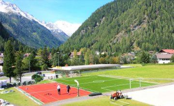 Constructie terenuri de sport cu gazon sintetic